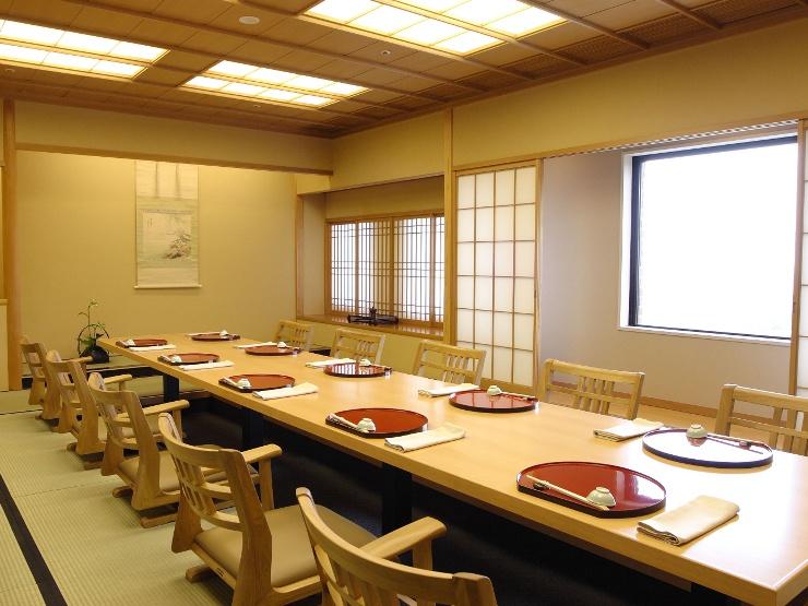金沢国際ホテル 加賀料理「加能」 個室・お店の雰囲気