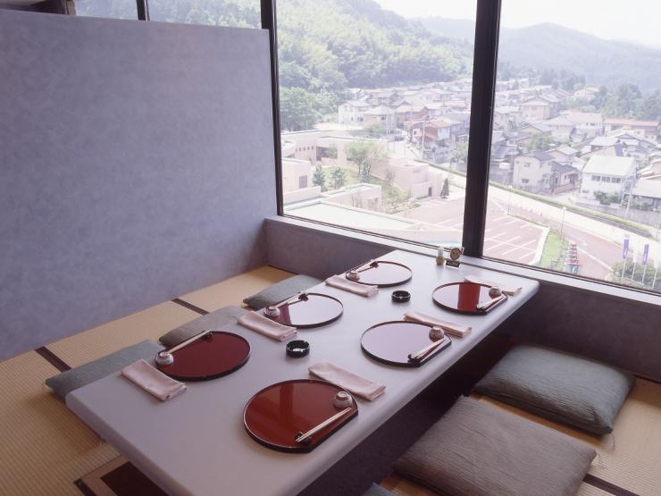 金沢国際ホテル 加賀料理「加能」 個室・お店の雰囲気 2
